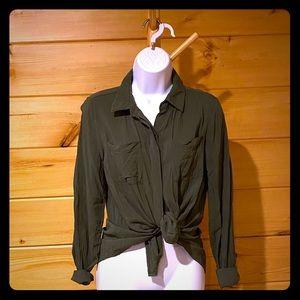 a.n.a. Khaki lightweight blouse M